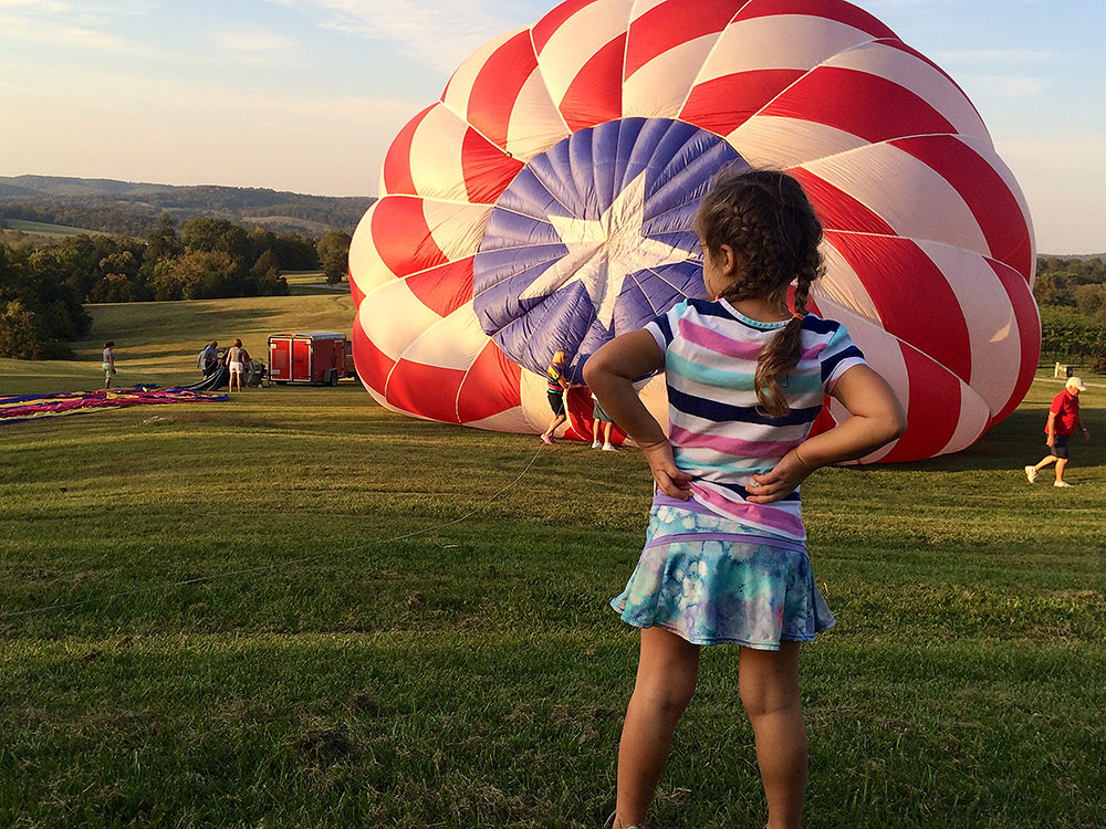 HotAirBalloon-Girl, missouri wineries, chaumette winery, chaumette vineyards & winery